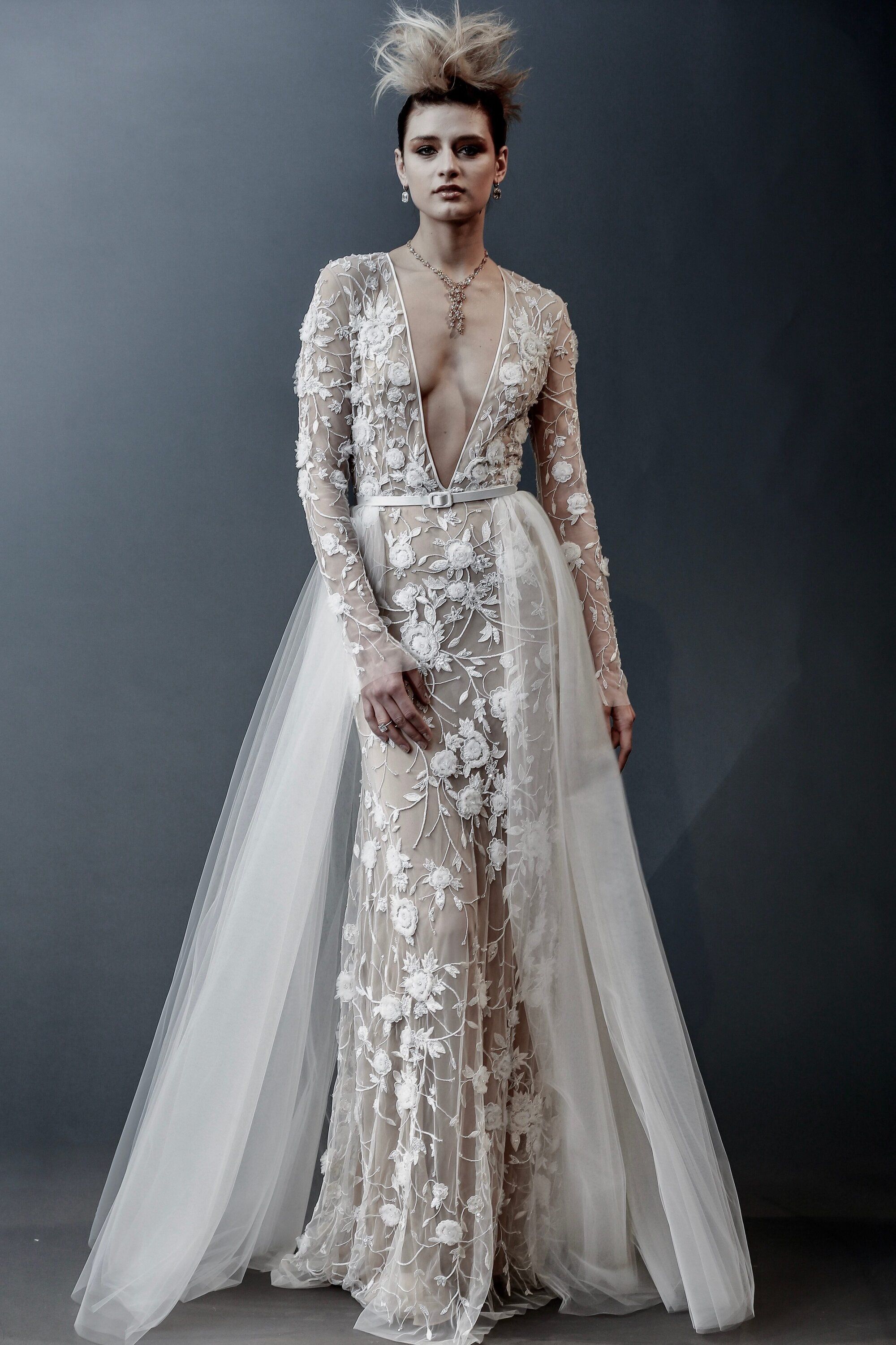 72d67ef1c882 Get the latest news and tips on the top global luxury wedding trends!